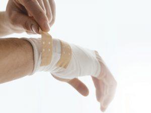 Nhận ý tưởng điều trị chấn thương tay