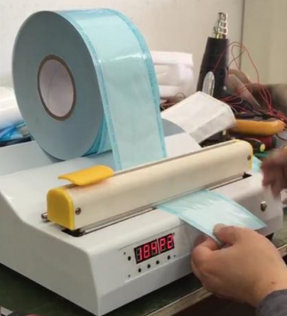 Máy cắt dán túi hấp tiệt trùng bán tự động CUSE-02